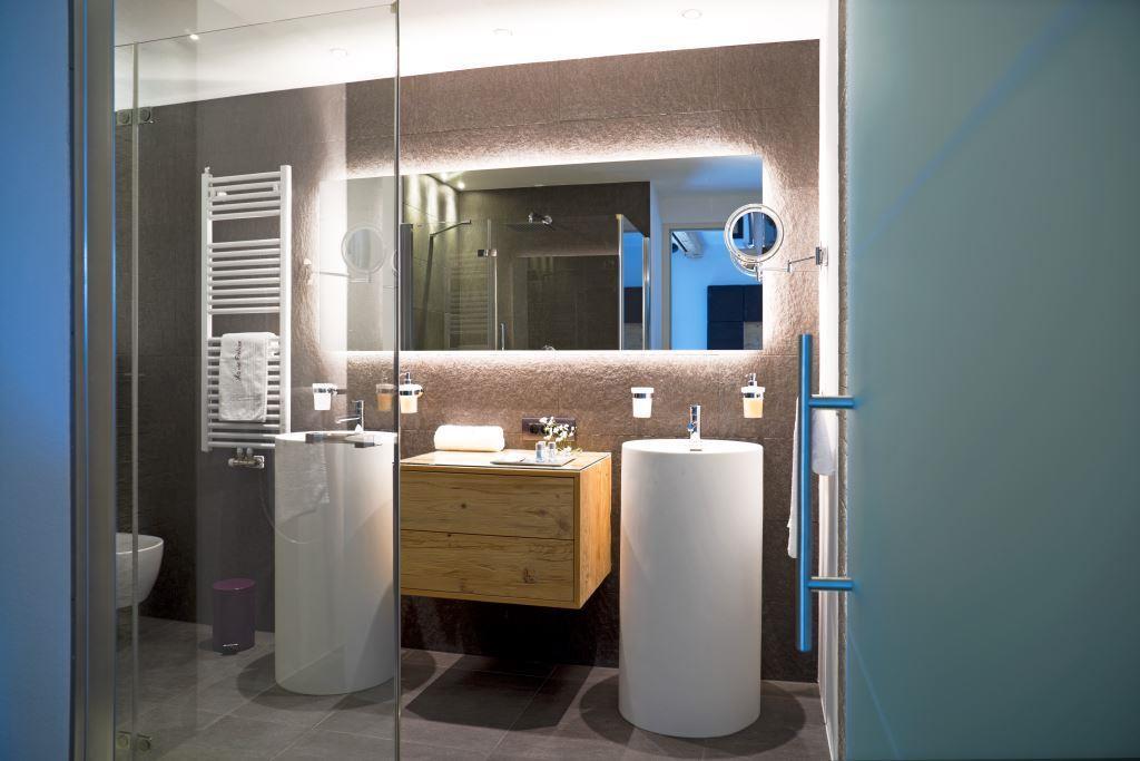 Ferienwohnung Dolomiten Badezimmer