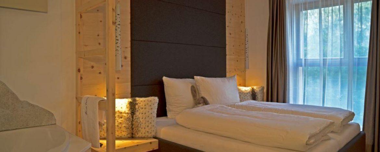 gesund schlafen im Zirbenholz Schlafzimmer