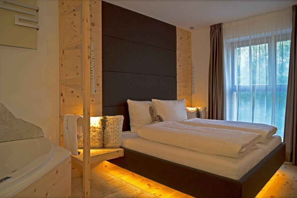 Luxus ferienwohnungen s dtirol wifi und garage kostenfrei for Design hotel dolomiten