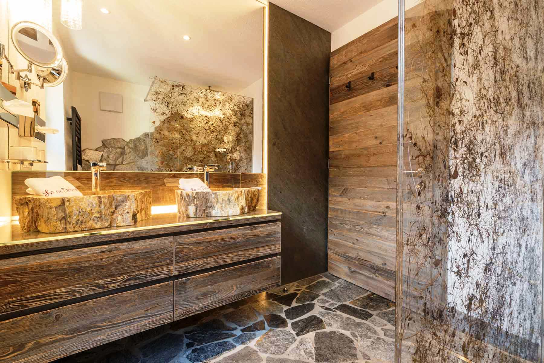 luxus ferienwohnung s dtirol mit sauna whirlpool home entertainment. Black Bedroom Furniture Sets. Home Design Ideas